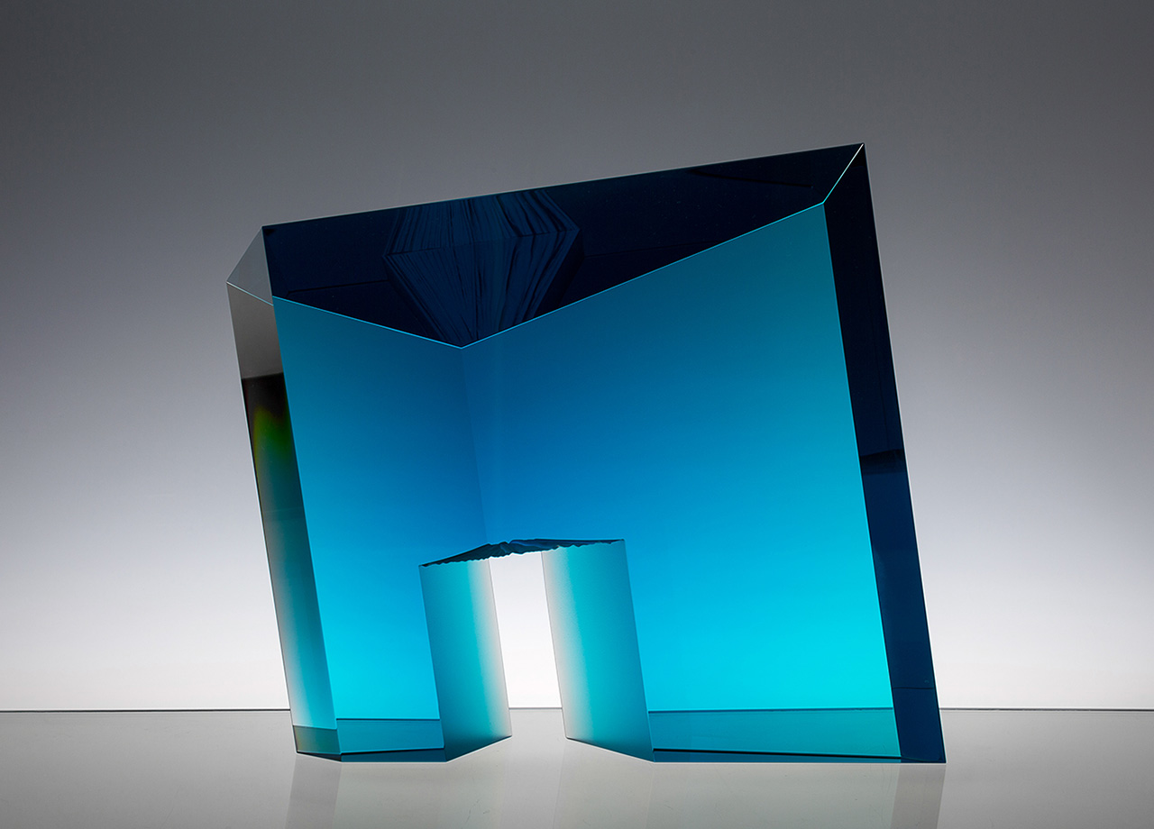 GlassArt: Tomas Brzon - Blue Passage